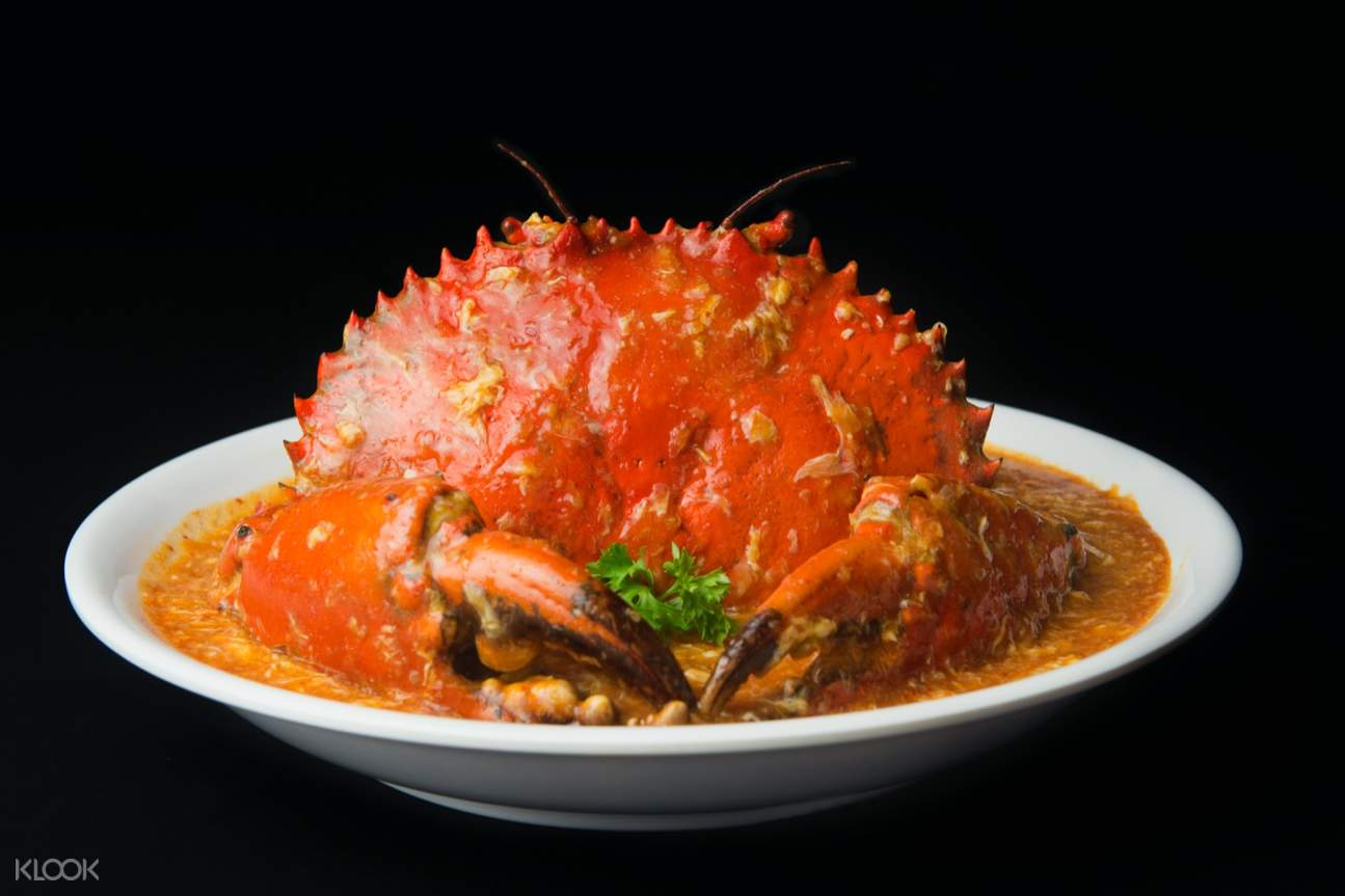 a crab dinner on a bowl